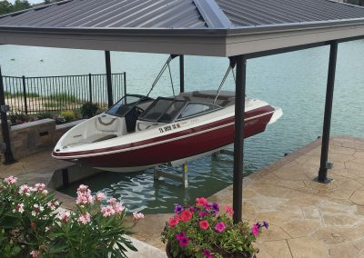 The boat lift company lake conroe livingston houston town ponds hydraulic lifts